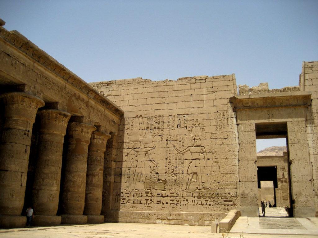 エジプト神殿
